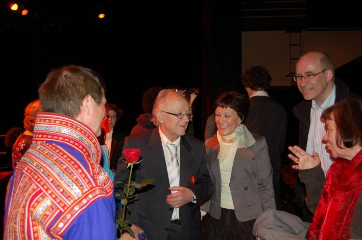 I 2009 bestemte gode venner og familie seg for å hedre Hans Kristian med ei festforestilling på Finnsnes Kulturhus. (Foto: Hilde Kat. Eriksen).