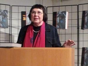 Liv Helene Willumsen under lanseringa av boka Dømt til ild og bål. Foto: Hilde Kat. Eriksen