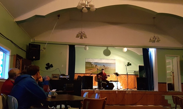 Local band musicians playing in the assembly house in the community of Tilting. Photo: Hilde Kat. Eriksen