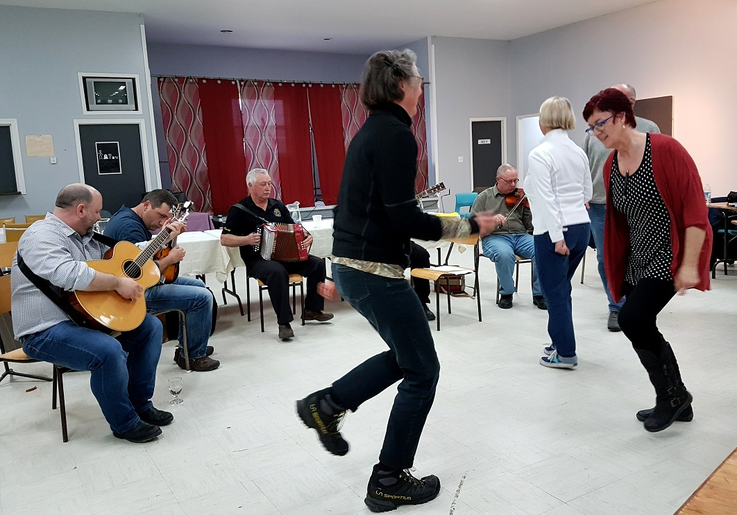 Music and dance, poems and stories at the Kitchen Party in Joe Batt's Arm. Photo: Hilde Kat. Eriksen