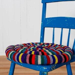 """""""Snake Cushion"""" eller slangeputer kalles disse stolputene. Foto: Fogo Island Inn"""